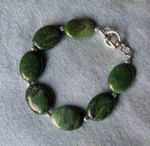 green stone bead bracelet